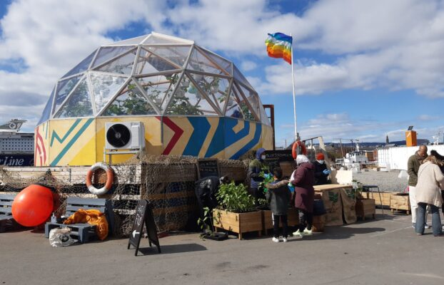 Spring pop-up plant market in Oslo
